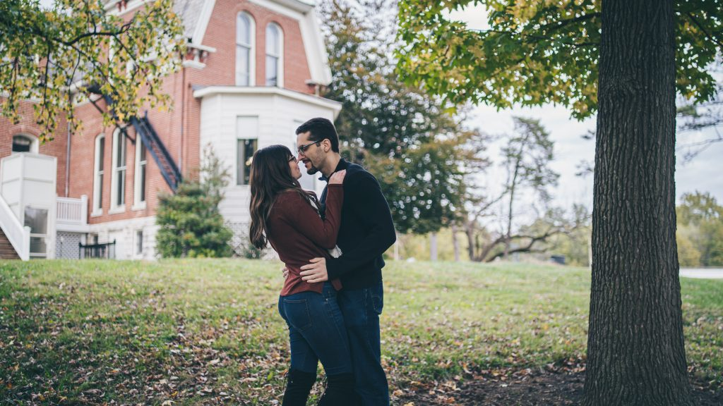Cabanne House engagement photos in forest park